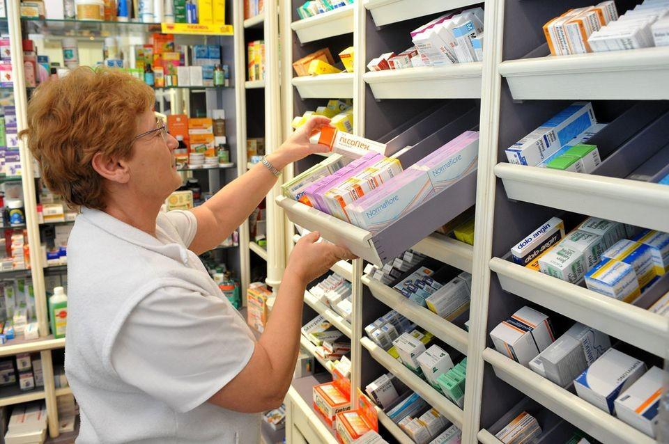 Hétfőn zárva lesznek a rendelők és a gyógyszertárak