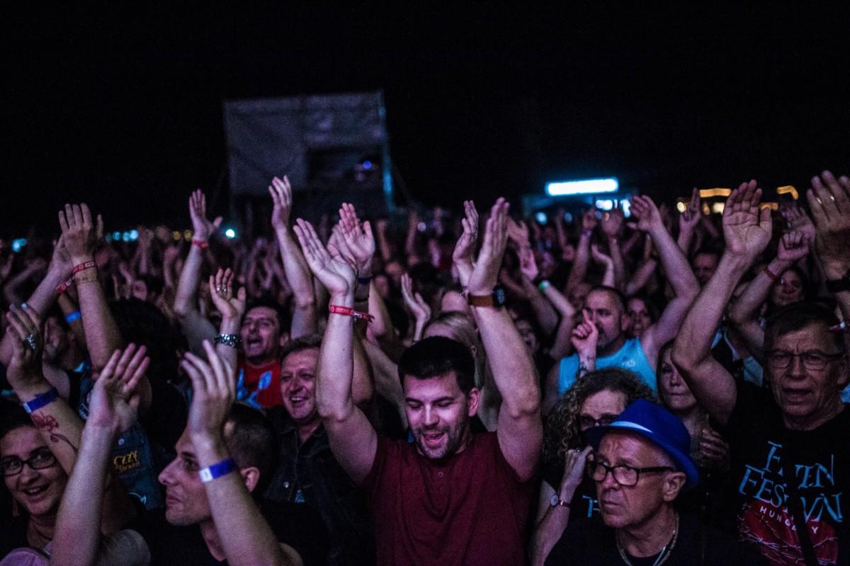 Tömegverekedés miatt leállították a székesfehérvári FEZEN fesztivált