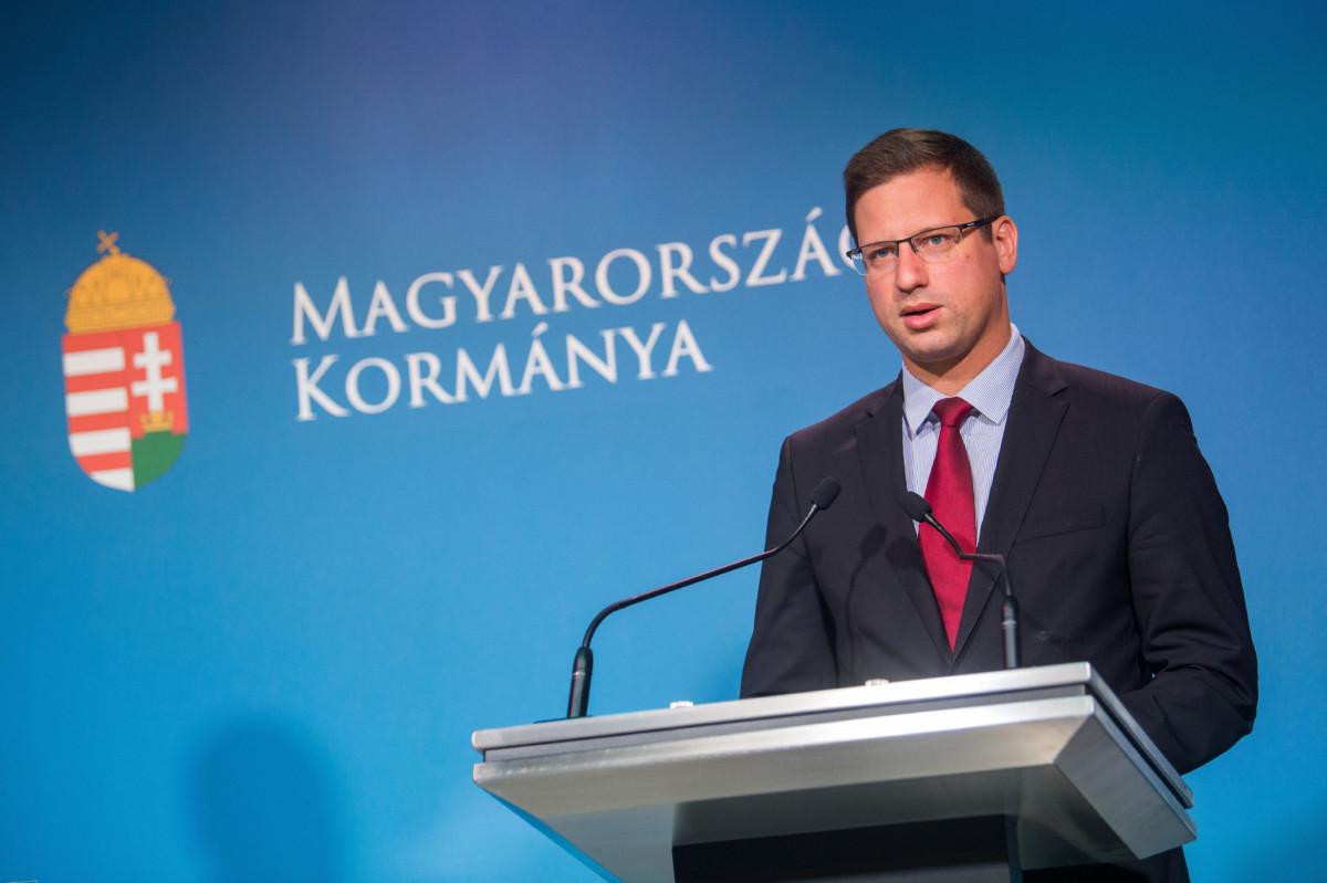 Gulyás Gergely Miniszterelnökséget vezető miniszter a Kormányinfó sajtótájékoztatón a Miniszterelnöki Kabinetiroda Garibaldi utcai sajtótermében 2019. július 18-án.