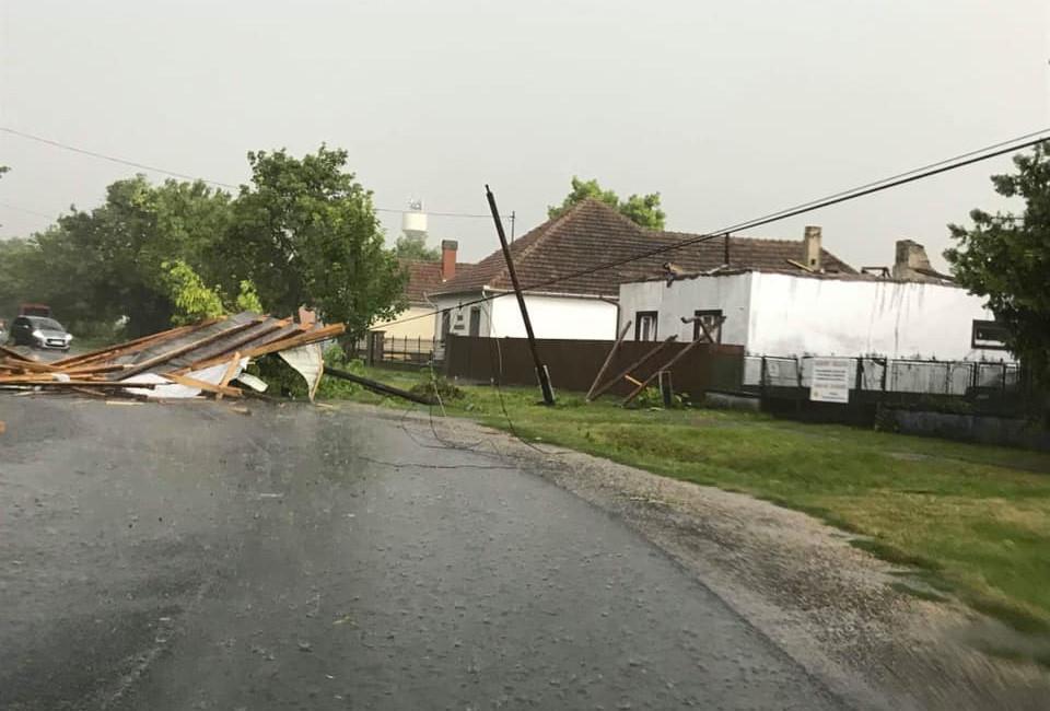 Vihar utáni pusztítás a Heves megyei Sarudon 2019. július 21-én.