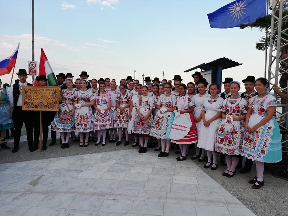 A Kalocsai Bokréta Népművészeti Egyesület Paraliában.