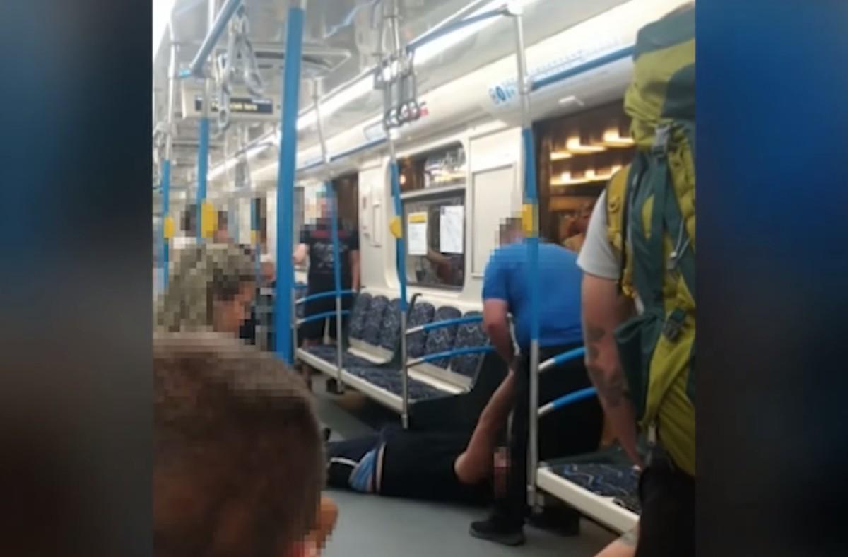 Végighúzták a metró padlóján az ájult utast, a BKV megmagyarázta