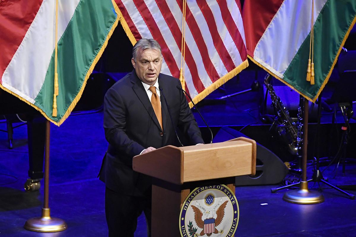 Orbán Viktor miniszterelnök beszédet mond az Egyesült Államok budapesti nagykövetségének fogadásán, amelyet az amerikai nemzeti ünnep, a függetlenség napja 243. évfordulójának tiszteletére rendeztek a Budapest Kongresszusi Központban 2019. július 9-én.