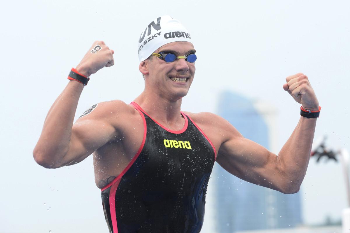 A győztes Rasovszky Kristóf a nyíltvízi úszók férfi 5 kilométeres versenyének befutója után a 18. vizes világbajnokságon a dél-koreai Joszuban 2019. július 13-án.