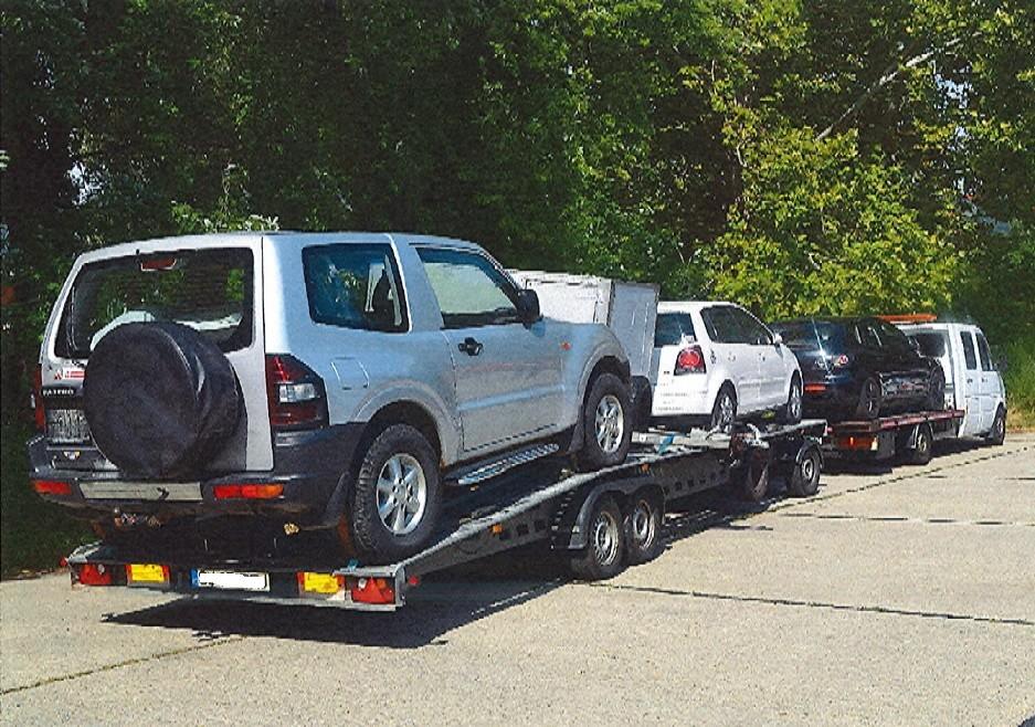 Horrorrakománnyal fogtak meg egy román kisteherautót az M1-esen