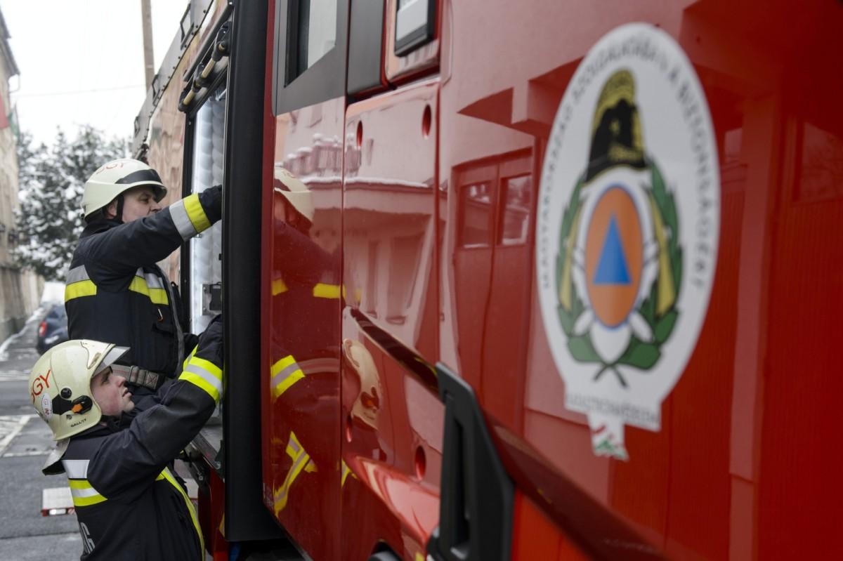 Összeégett holttestére bukkantak a tűzoltók egy kigyulladt belvárosi lakásban