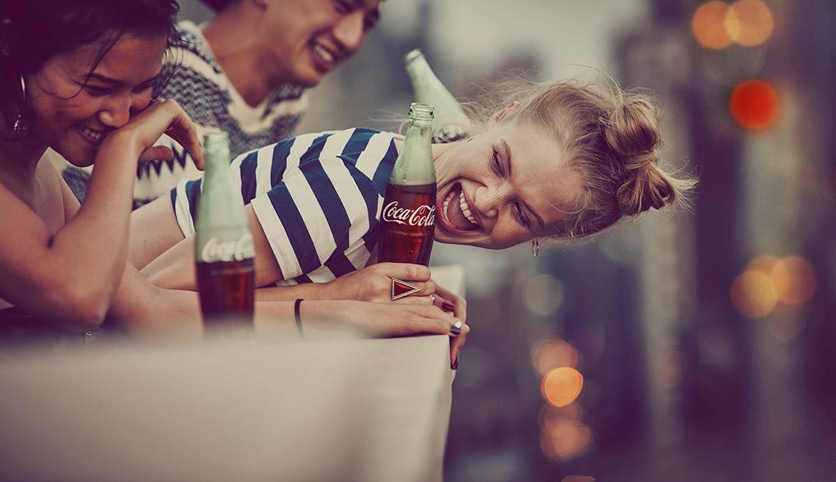 Jól jöhetett a Coca-Colának a magyar homofóbok toporzékolása