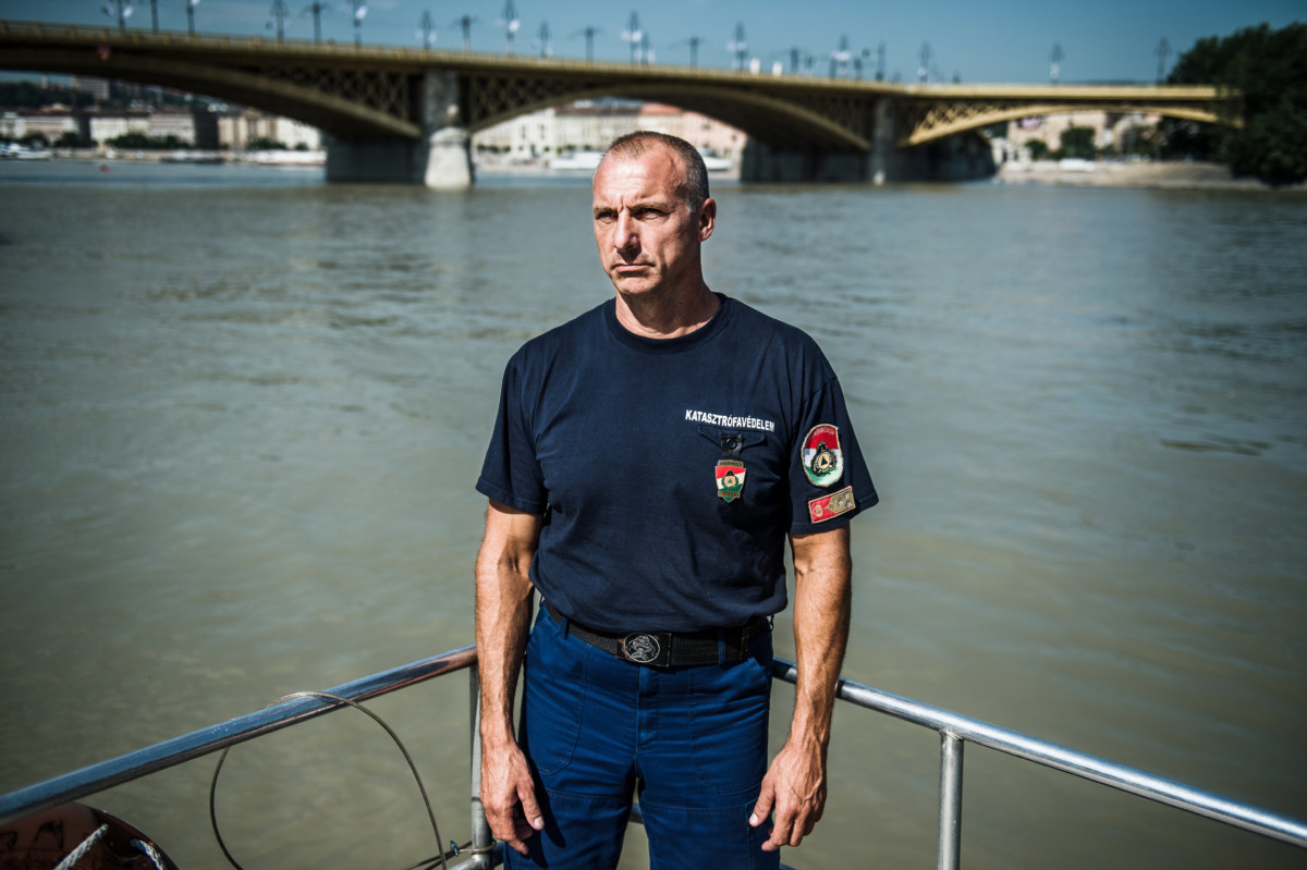 Kanyó Ferenc ezredes, a fővárosi katasztrófavédelem tűzoltósági főfelügyelője Budapesten, a Szent Flórián tűzoltóhajó fedélzetén 2019. június 14-én.