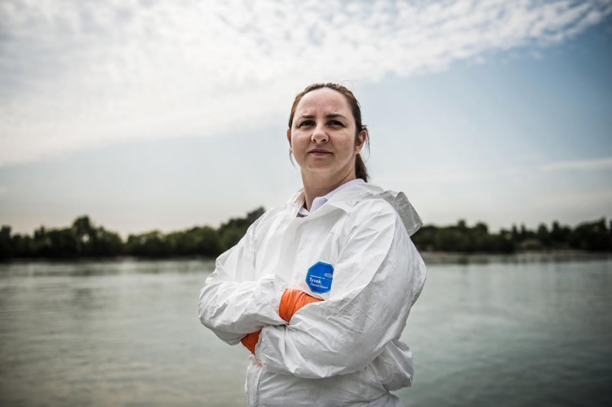 Kakuja Izabella rendőr őrnagy, a Készenléti Rendőrség Nemzeti Nyomozó Iroda bűnügyi technikai főosztályának referense a Dunai Vízirendészet Budapesti Rendőrőrsén a Kopaszi-gáton 2019. július 9-én.