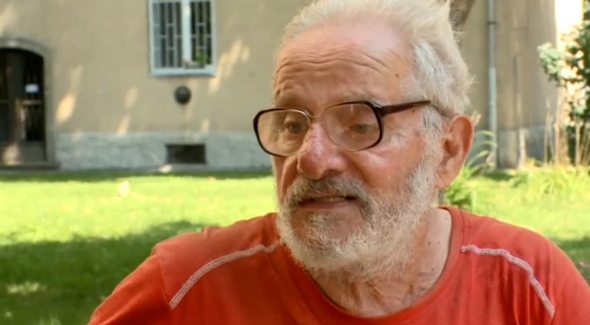 Kilakoltattak egy idős, beteg férfit az önkormányzati lakásból, mert amíg kórházban volt, nem tudta fizetni a lakbért