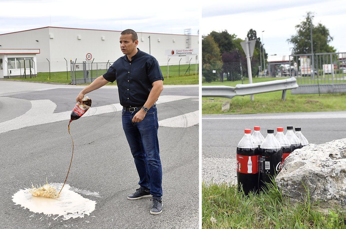 Toroczkai László, a Mi Hazánk Mozgalom elnöke tiltakozó akciójuk első lépéseként a Coca-Cola üdítőital-gyártó dunaharaszti telephelye előtti sajtótájékoztatóján az aszfaltra locsolja a támogatóik által megvásárolt Coca-Cola terméket 2019. augusztus 8-án.