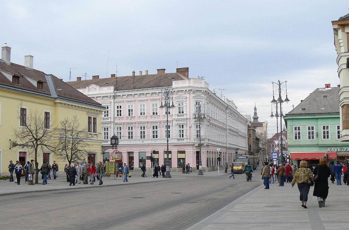 Miskolc egyik közlekedési csomópontja, a Villanyrendőr, a Széchenyi utca és a Kazinczy/Szemere utca kereszteződése.