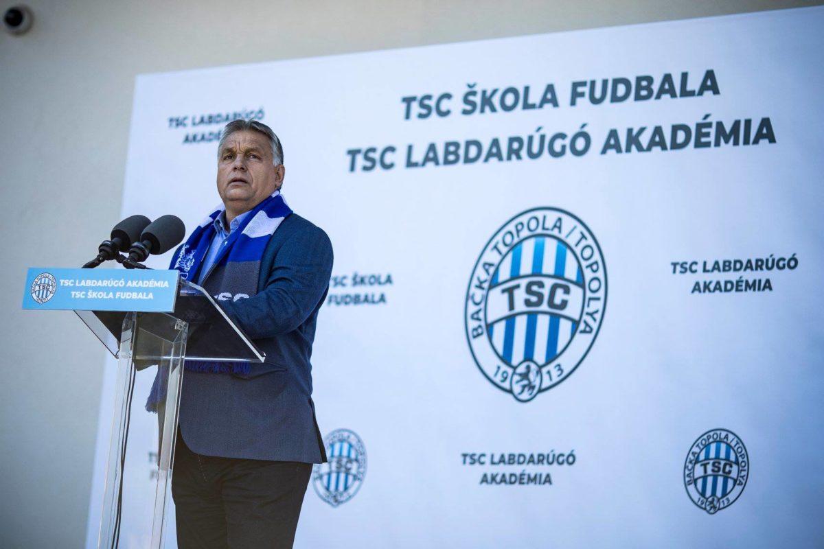 Orbán Viktor a TSC Labdarúgó Akadémia avatásán.