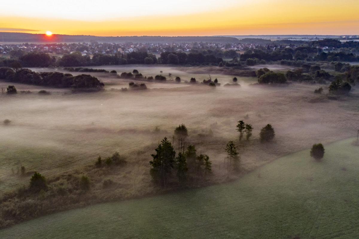 Hajnali köd a Principális-völgyben, Nagykanizsa határában 2019. szeptember 15-én.