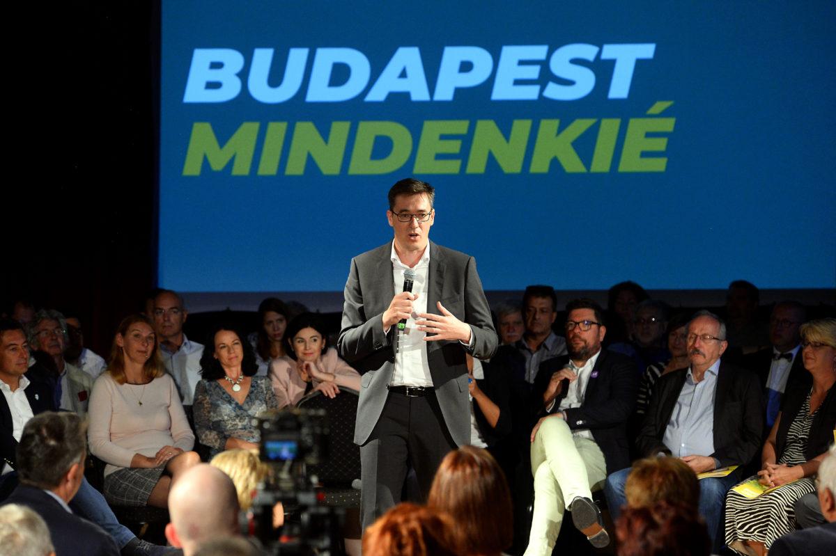 Karácsony Gergely közös ellenzéki főpolgármester-jelölt beszédet mond programbemutatóján a Trip Rendezvényhajón 2019. szeptember 22-én.