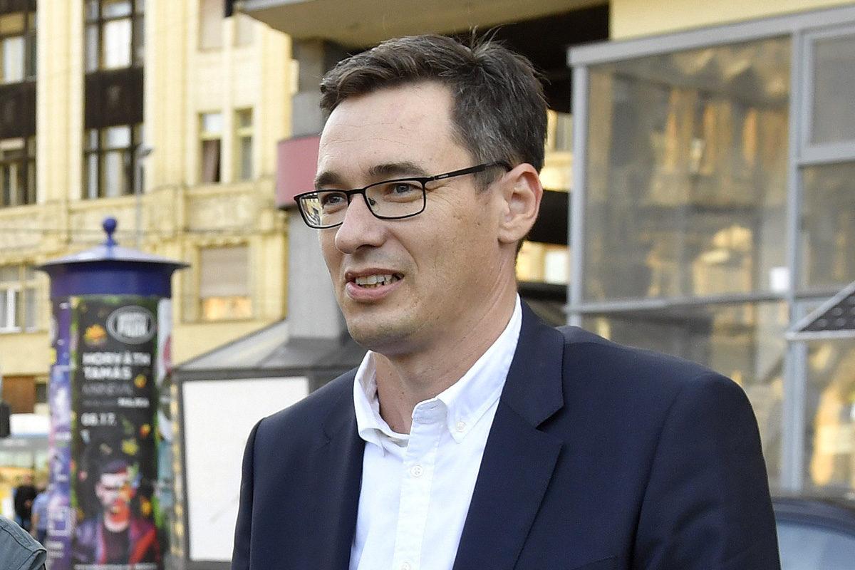 Karácsony Gergely ellenzéki főpolgármester-jelölt (j) kampányrendezvénye a VIII. kerületi II. János Pál pápa téren 2019. szeptember 4-én.