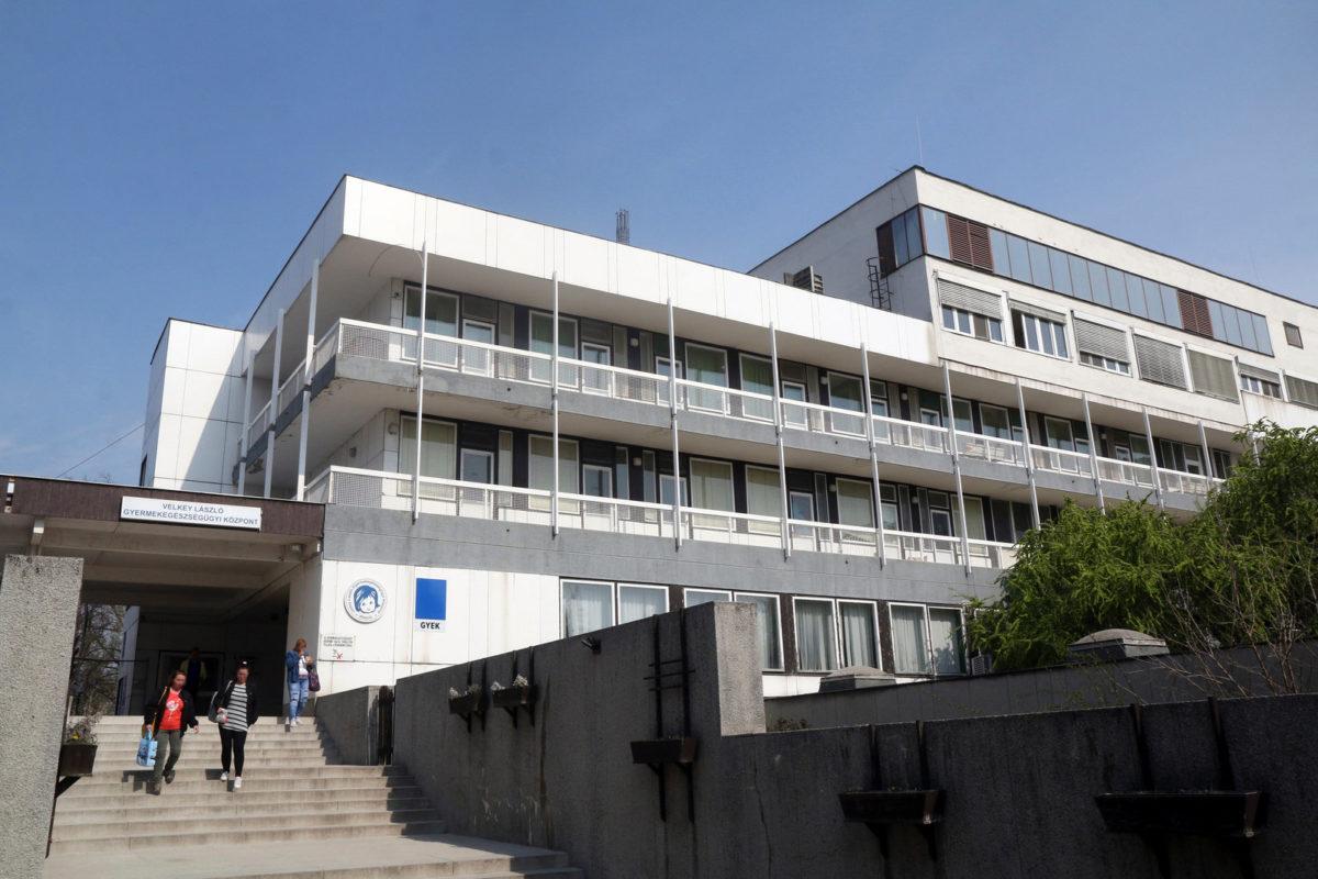 A Borsod-Abaúj-Zemplén Megyei Kórház és Egyetemi Oktató Kórház koraszülötteket ellátó osztályának is helyet adó Velkey László Gyermek-egészségügyi Központ épülete Miskolcon.