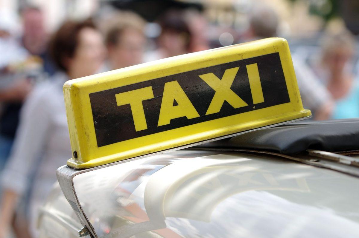 Recskázó taxist videóztak Rákospalotán