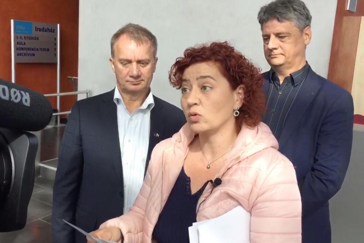 Újra ostrom alá veszi az ellenzék a közmédia épületét