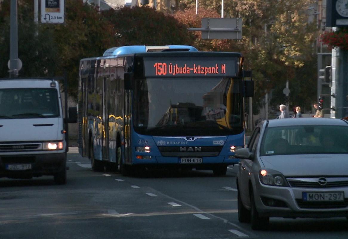 Részegen vezetett egy BKV-busz sofőrje, megsérült egy utas