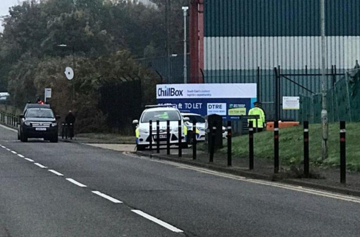 39 holttestet találtak egy kamionban Angliában.