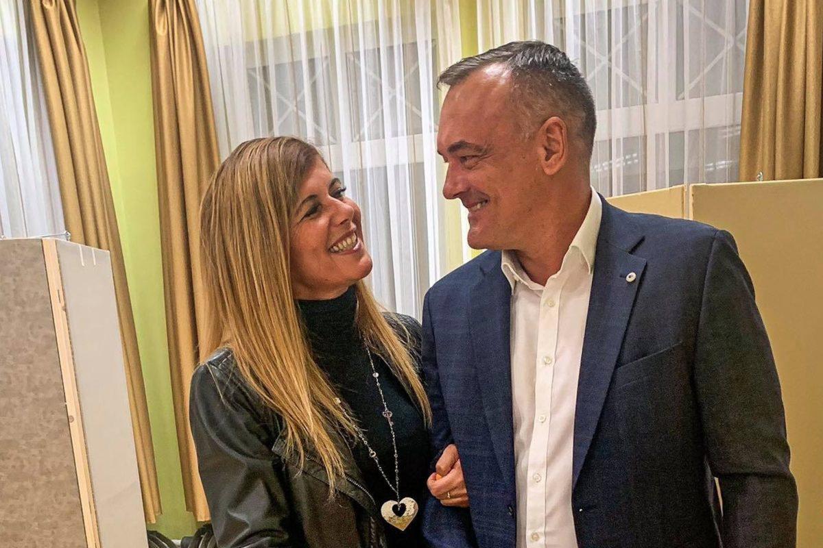 Borkai Zsolt és felesége szavaznak az önkormányzati választáson 2019. október 13-án.