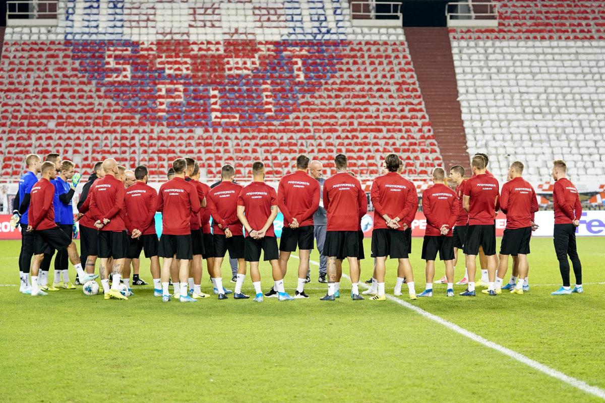 A magyar csapat tagjai a Horvátország elleni mérkőzés előtt tartott edzésen, középen Marco Rossi szövetségi kapitány a spliti Poljud Stadionban 2019. október 9-én.