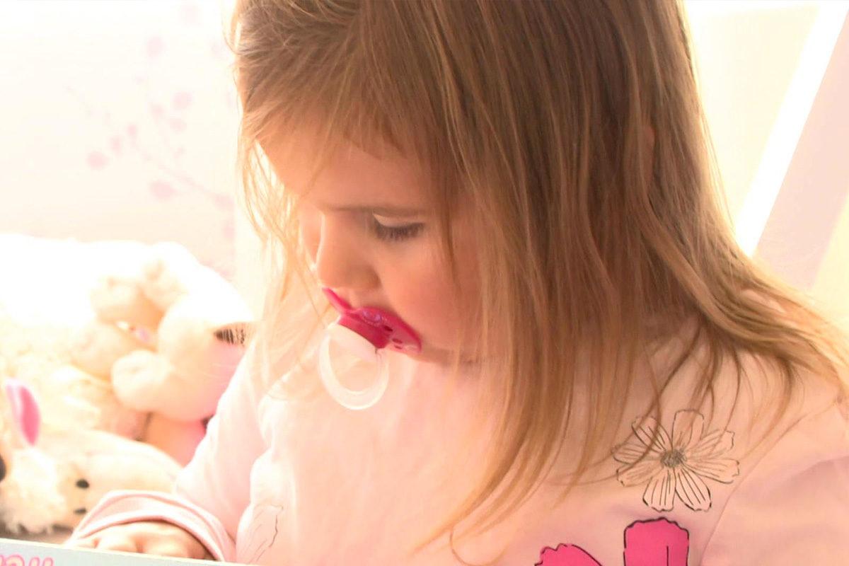 Nem volt oxigén a pécsi klinikán, napokig nem tudtak ellátni egy fulladó kislányt