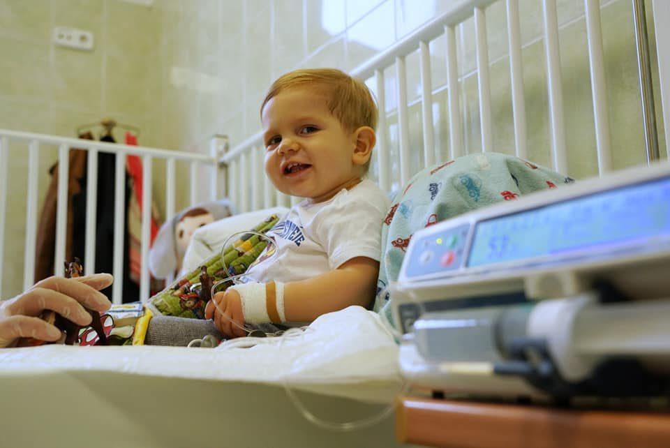Zente a Bethesda Gyermekkórházban, miután megkapta az életmentő génkezelést.