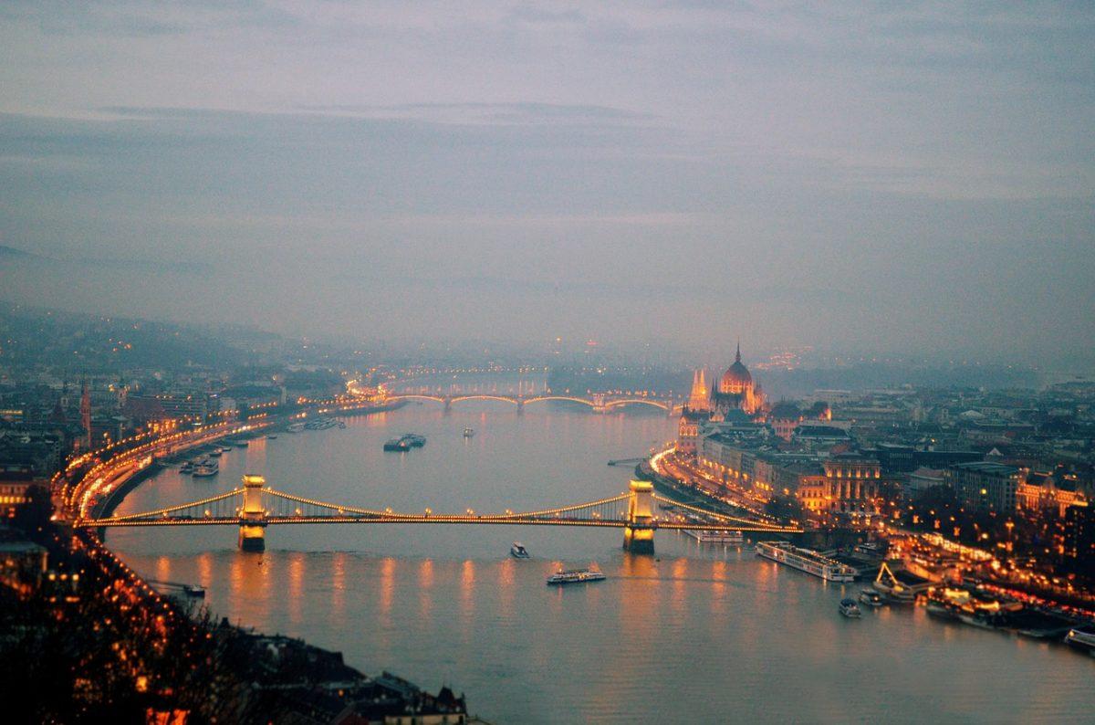 A Dunába esett egy nő Budapestnél