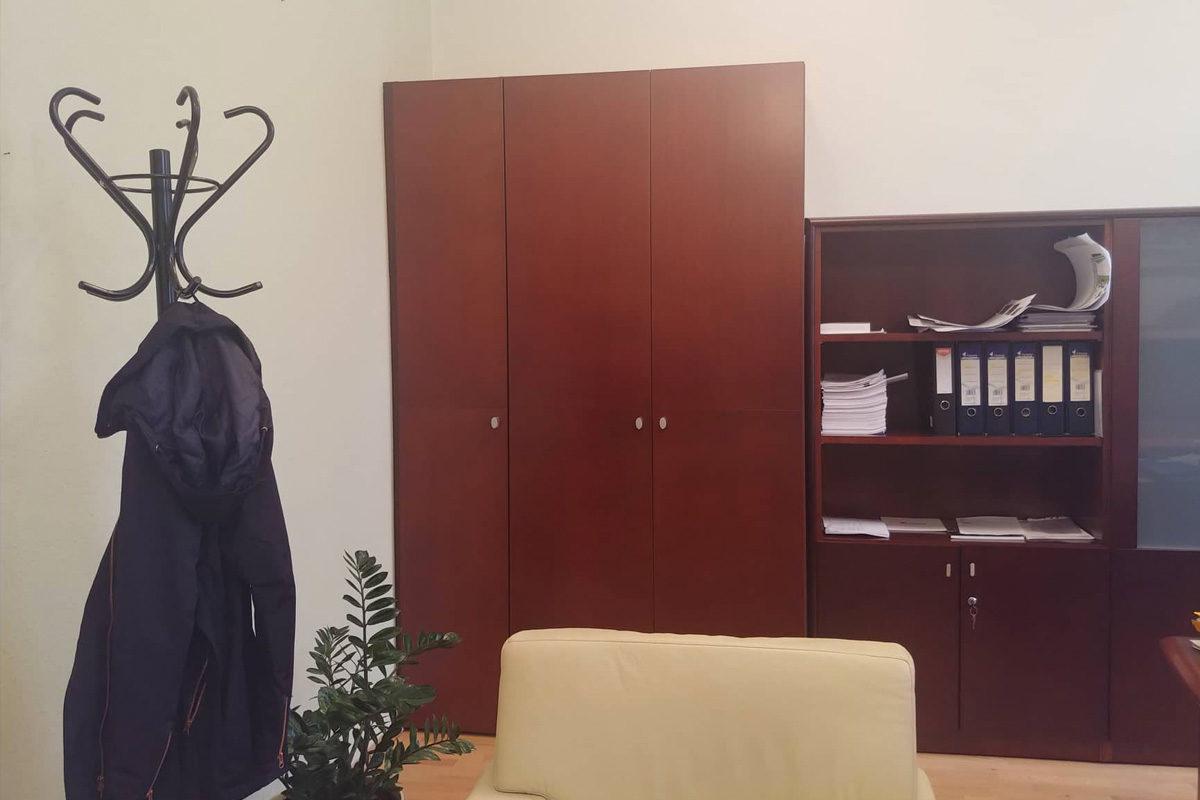 Titkos ajtót találtak a bukott ferencvárosi fideszes polgármester irodájában