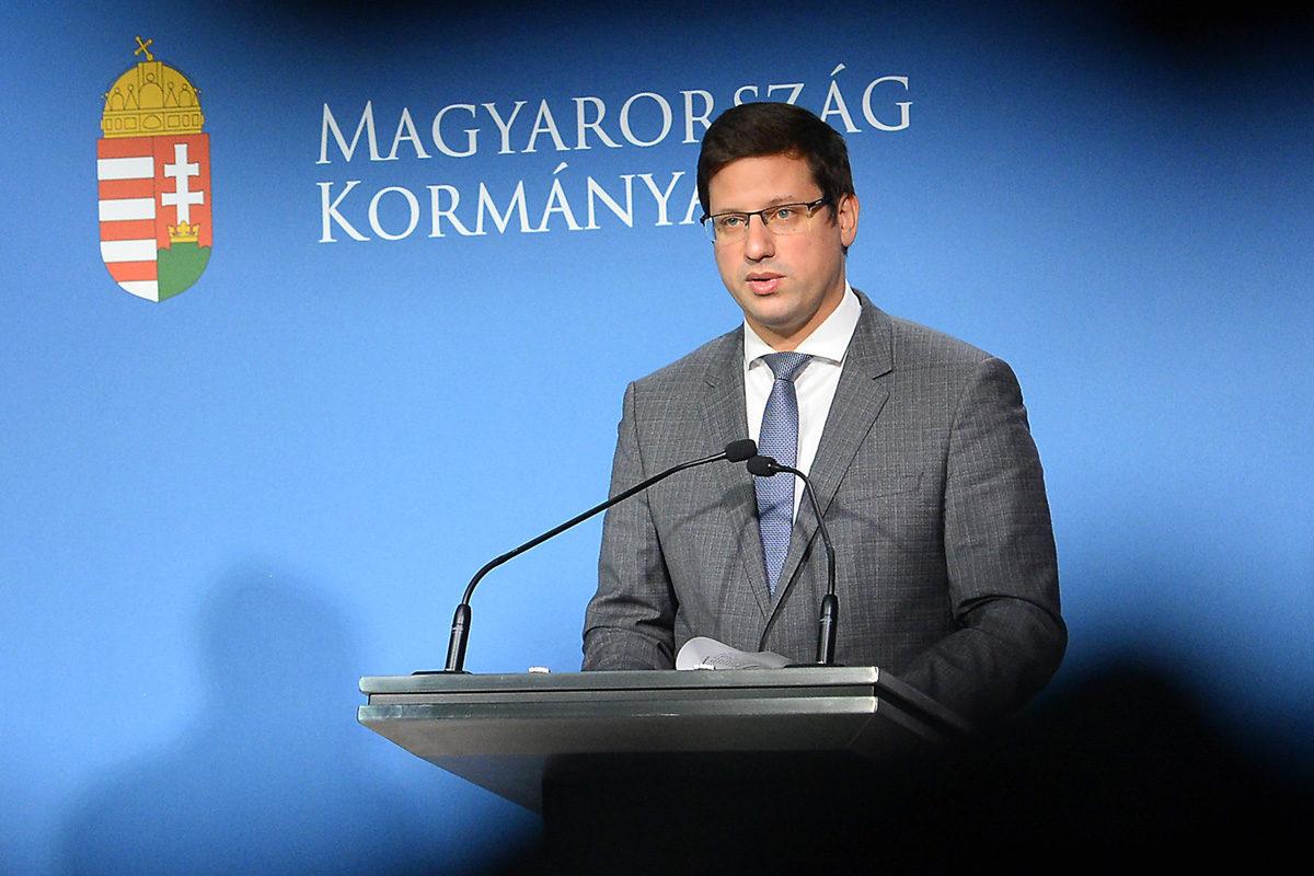 Gulyás Gergely Miniszterelnökséget vezető miniszter a Kormányinfó sajtótájékoztatón a Miniszterelnöki Kabinetiroda Garibaldi utcai sajtótermében 2019. november 14-én.