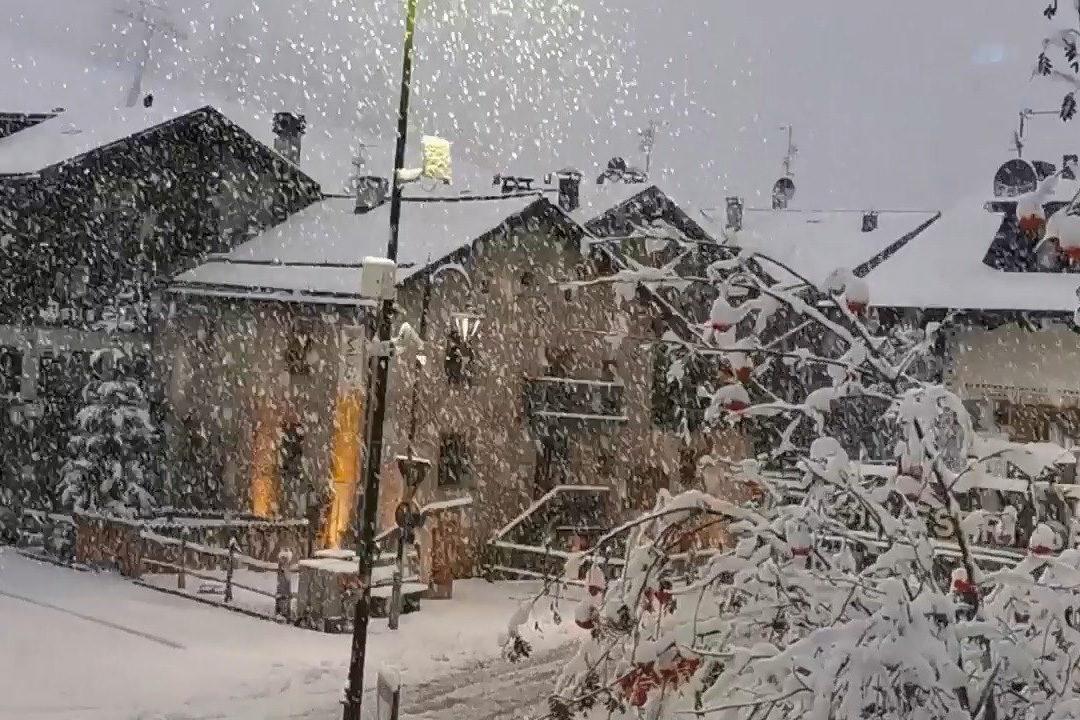 Brutálisan havazik Európa egyes részein – fotók, videók