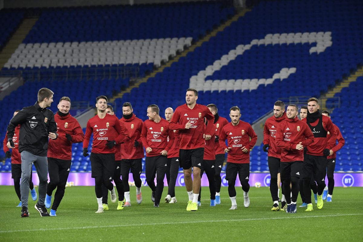 A magyar labdarúgó-válogatott edzése a november 19-ei Wales-Magyarország Európa-bajnoki selejtezőmérkőzés előtt a cardiffi városi stadionban 2019. november 18-án.