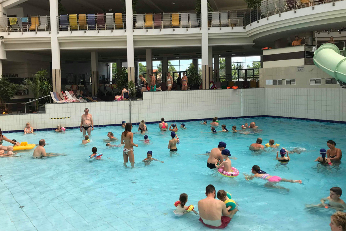 Vízbe fulladt egy kislány a sárvári gyógyfürdőben