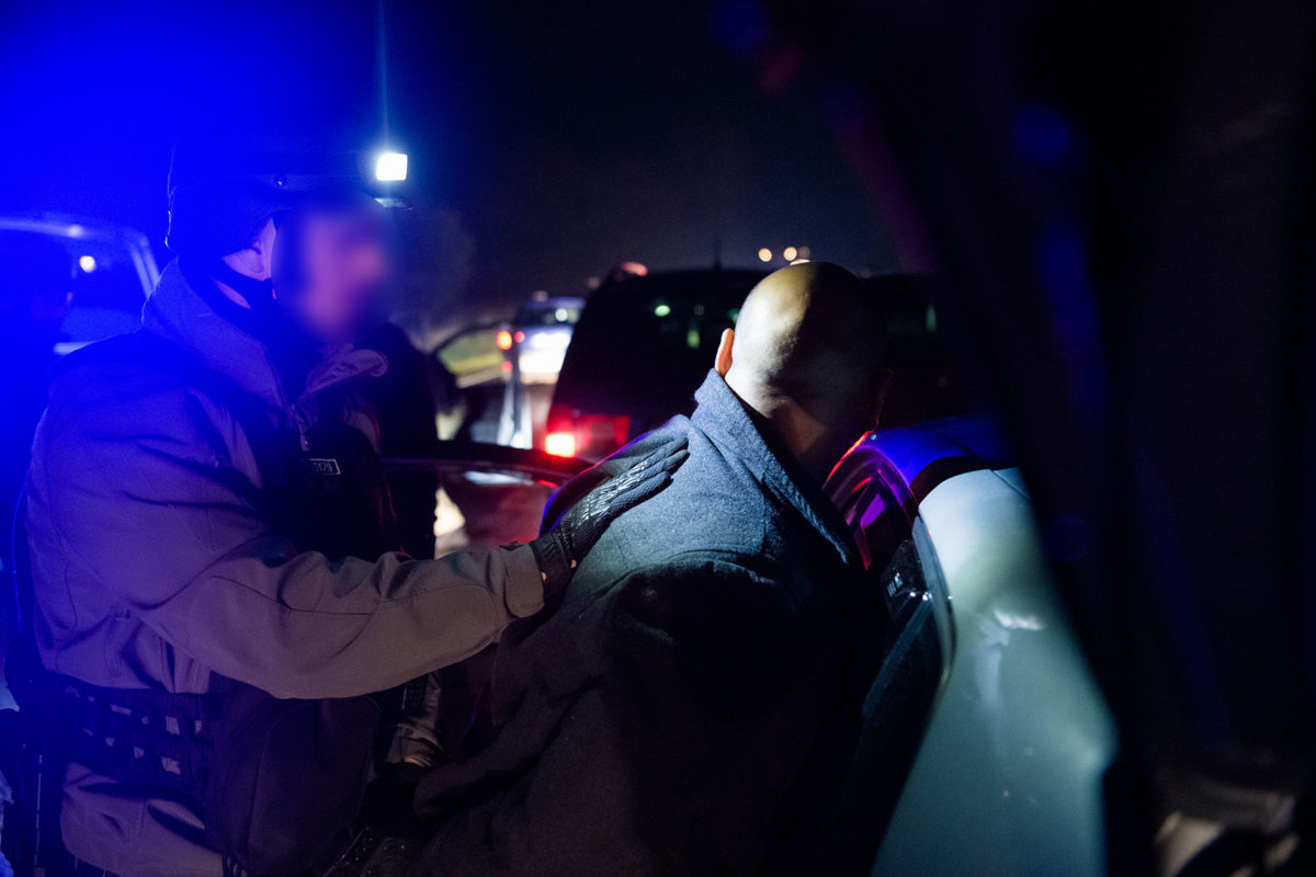 Sz. Iván elfogása a rendőrség felvételén.