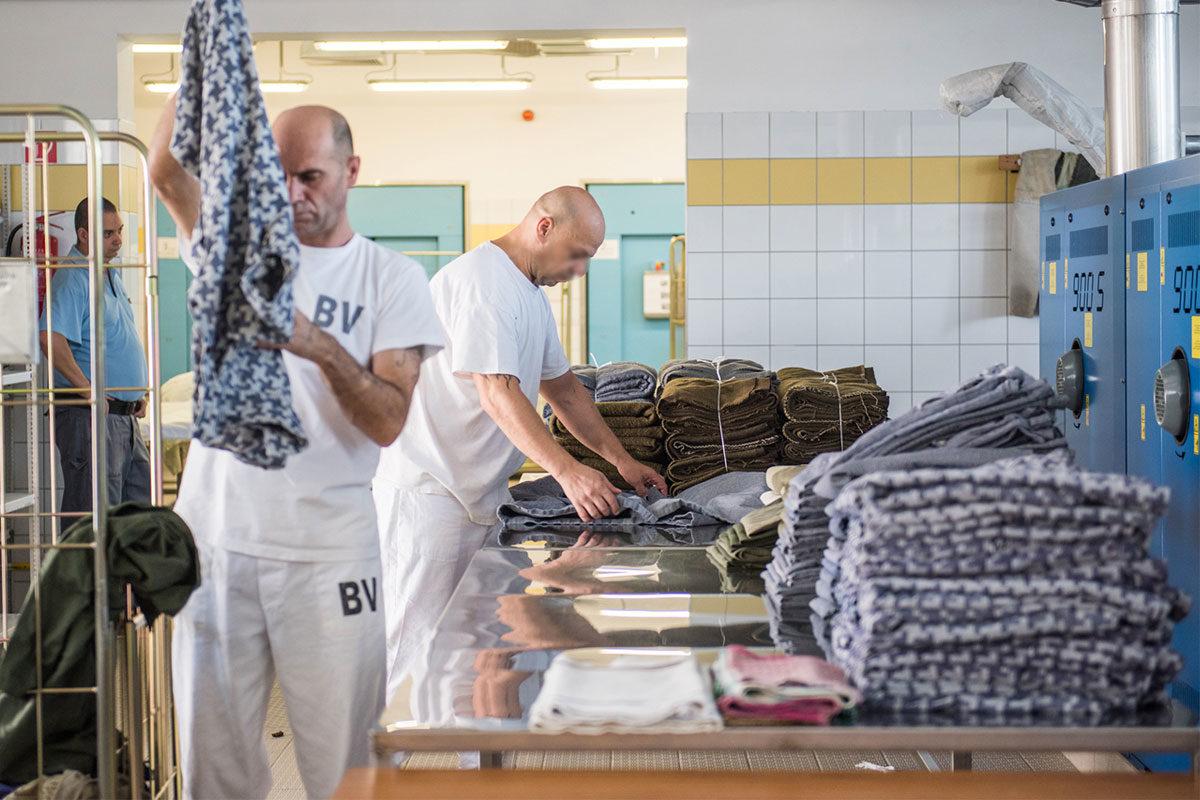 Fizetésemelést kapnak a rabok, ennyit keresnek januártól