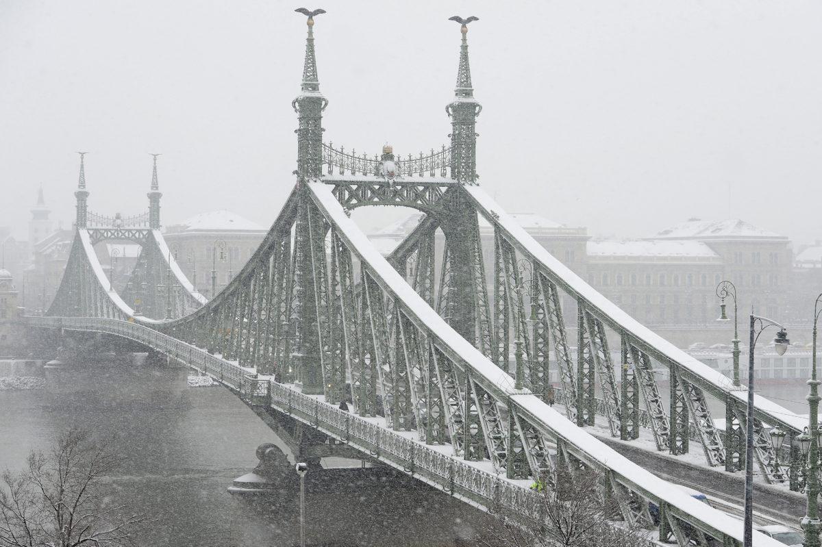 A behavazott Szabadság-híd 2019. december 2-án.