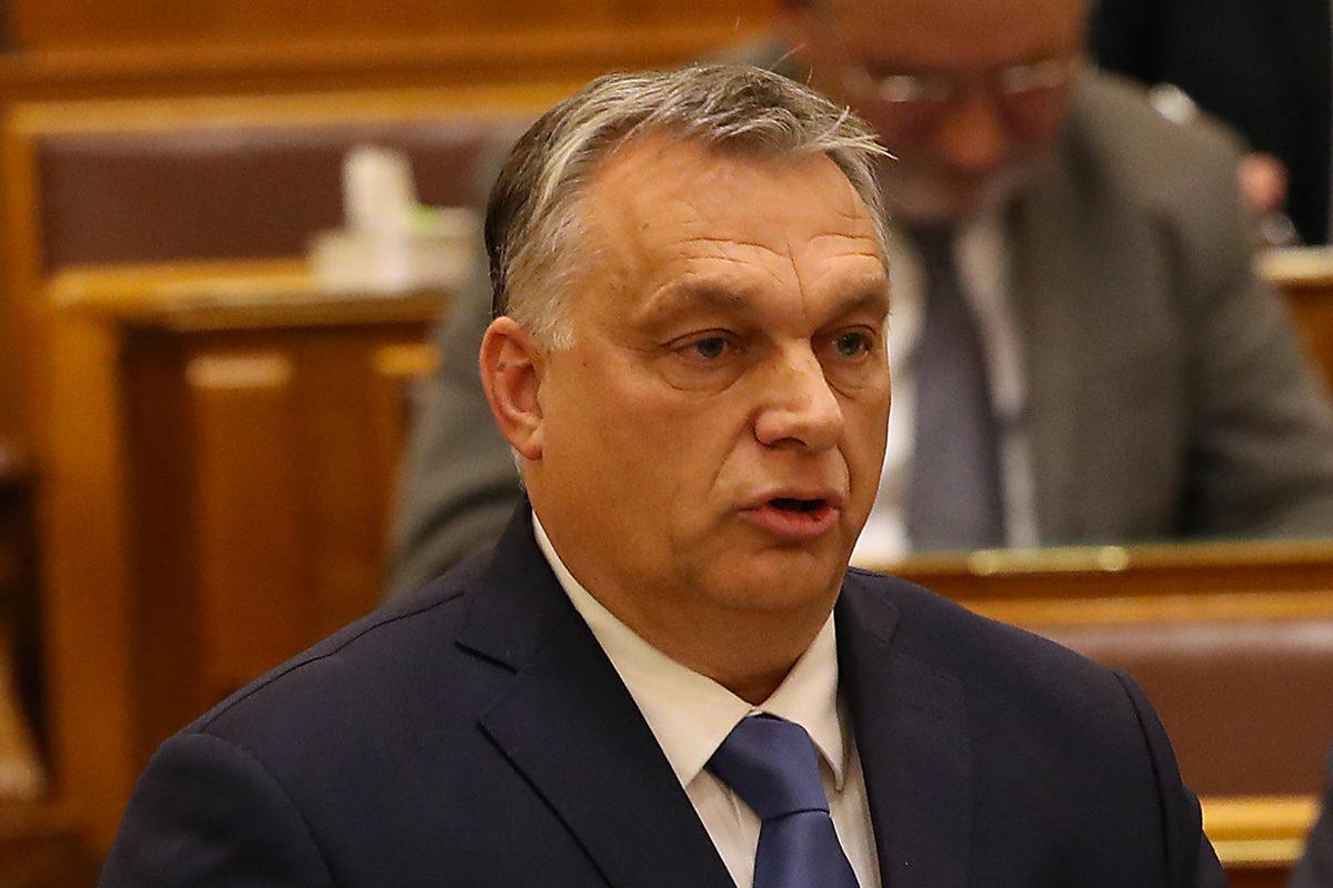 Orbán Viktor miniszterelnök azonnali kérdésre válaszol az Országgyűlés plenáris ülésén 2019. december 10-én.