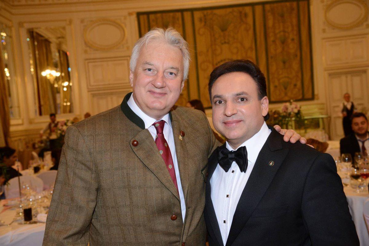 Semjén Zsolt, a KDNP elnöke és Mága Zoltán hegedűs.