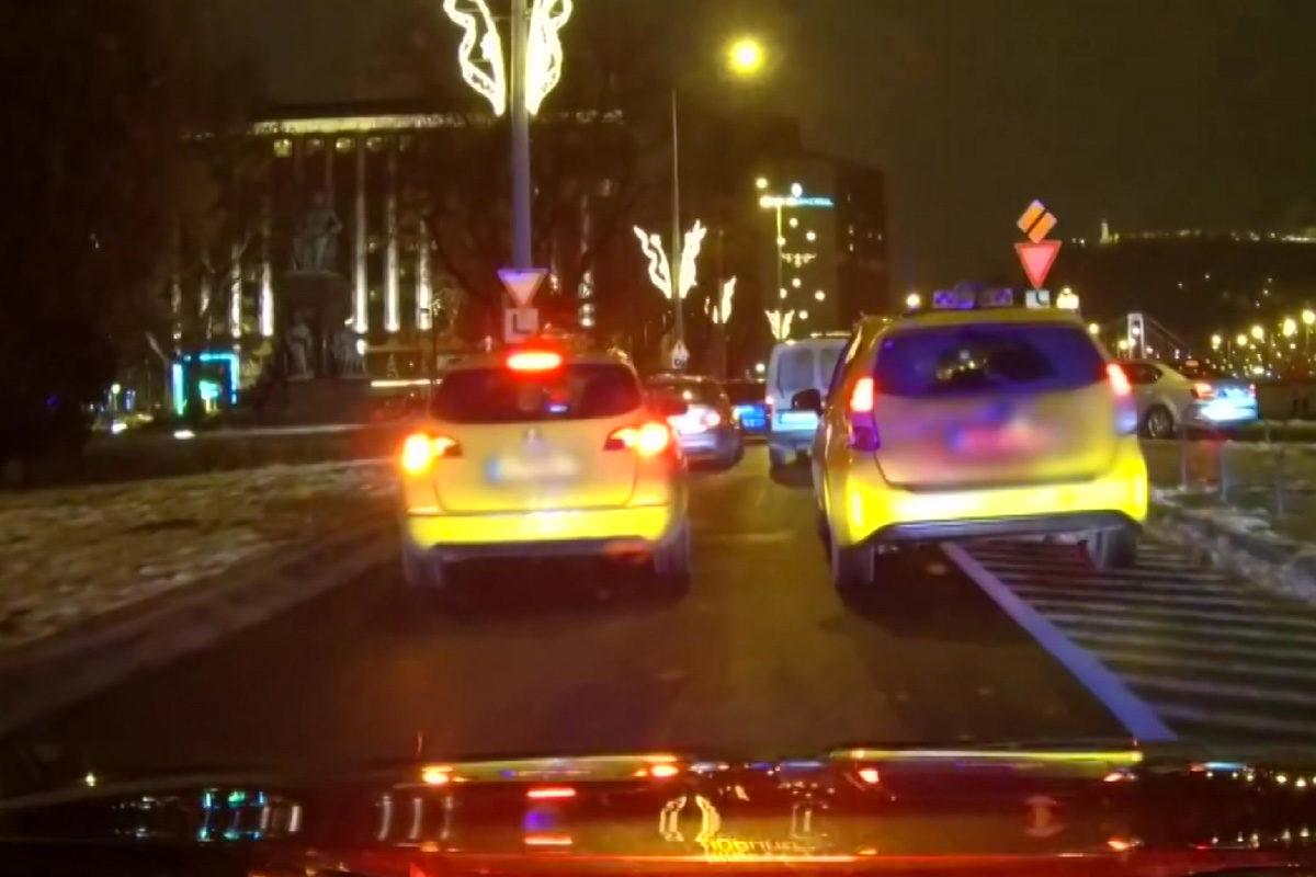 Kiadott a rendőrség egy videót arról, miket láttak a civil autós akciójuk alatt
