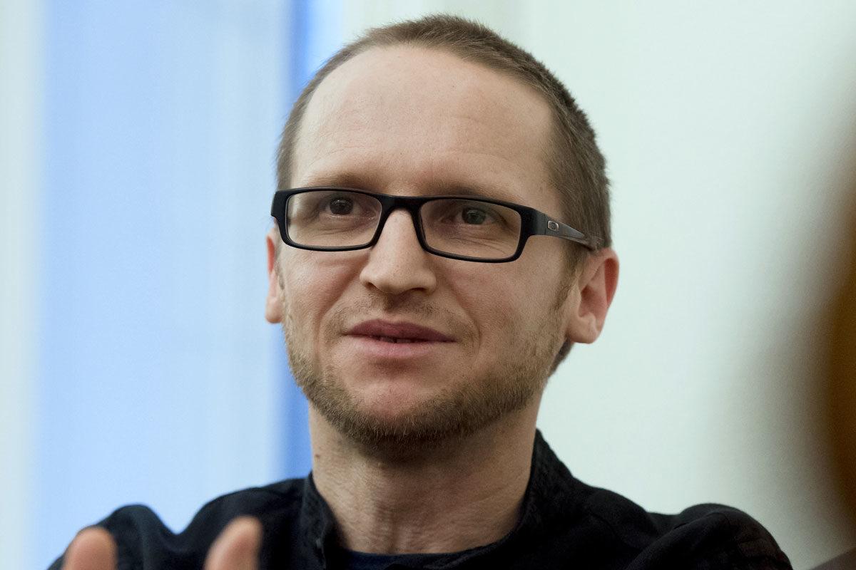 Demeter Szilárd, a Petőfi Irodalmi Múzeum (PIM) főigazgatója, miniszteri biztos 2020. január 21-én dolgozószobájában, ahol interjút adott az MTVA újságírójának.
