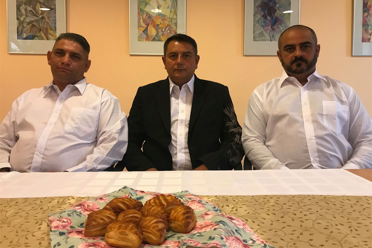 A gyöngyöspatai Roma Nemzetiségi Önkormányzat képviselő testülete az alakuló ülésen 2019 októberében.