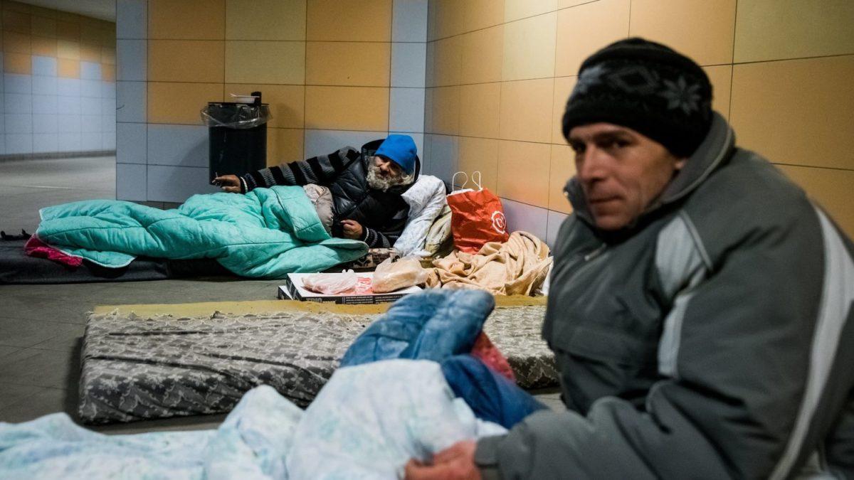 Hajléktalanok Budapesten.