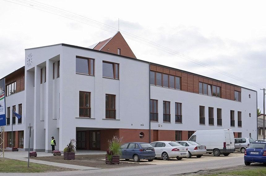 A sándorfalvi Pallavicini Sándor Általános Iskola.