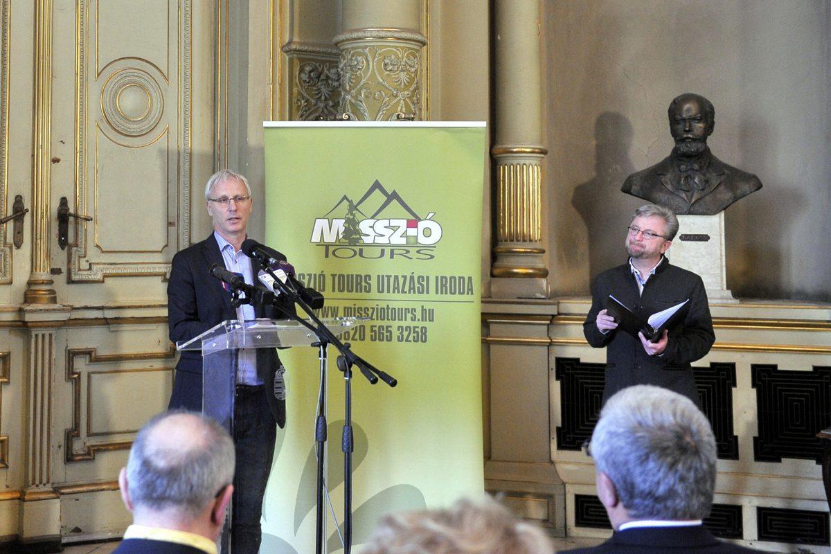 Soltész Miklós, a Miniszterelnökség egyházügyekért felelős államtitkára beszél a Misszió Tours Utazási Iroda és a MÁV-START Zrt. sajtótájékoztatóján a Nyugati pályaudvar Királyi várótermében 2020. január 23-án.