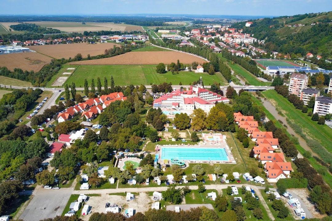 9 millió euróért vesz wellness központot a magyar állam Szlovéniában, fociakadémia is épül mellé