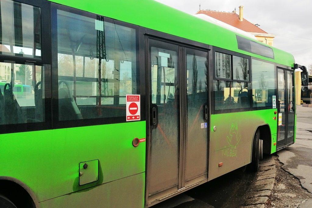Helyi járatú autóbusz Pécsen.