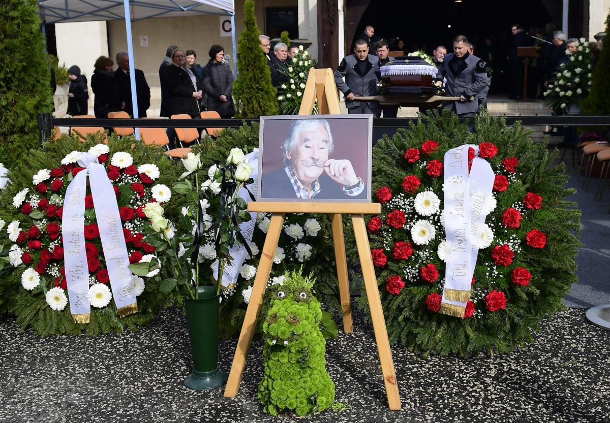 Az életének 84. évében elhunyt Csukás István író, a nemzet művészének temetése a Farkasréti Temetőben 2020. március 7-én.