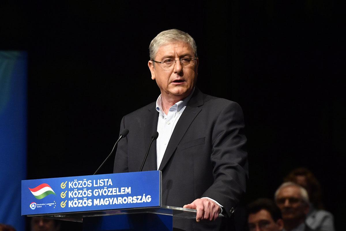 Gyurcsány Ferenc, a párt elnöke, volt miniszterelnök beszédet mond a Demokratikus Koalíció (DK) X. tisztújító kongresszusán a Budapest Kongresszusi Központban 2020. március 1-jén.